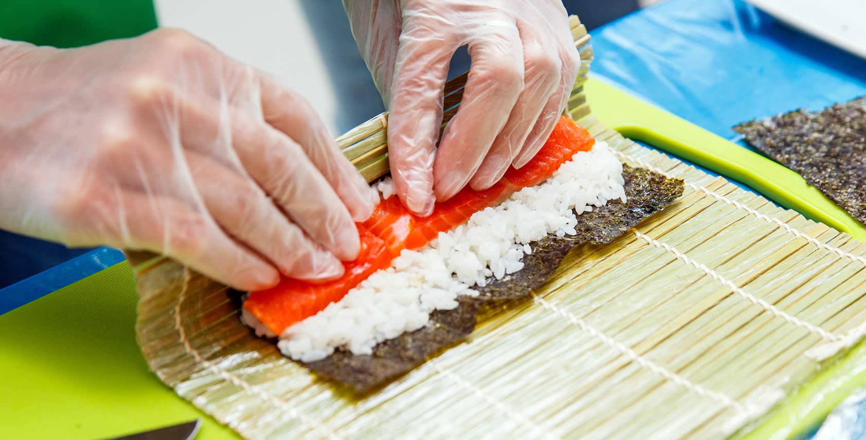 Sushi Rollen Maki Sushi Anleitung